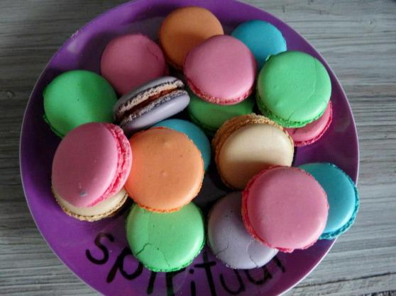 macarons by froggyfrogs