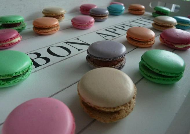 macarons by froggy frogs