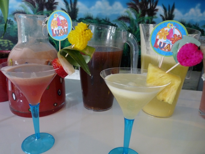 Cocktails decorations hawaiian luau
